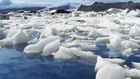 El cambio climático está desplazando el Polo Norte