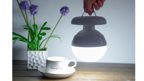 Al poder regular su intensidad podrás utilizarla como luz de acompañamiento para los más pequeños o como lámpara para tu mesita de noche.