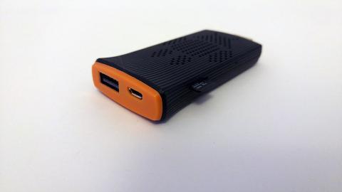 Conectores USB y micro USB del tengo micropc 80QC