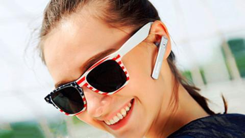 Libera tus manos con este auricular manos libres de Lumsing