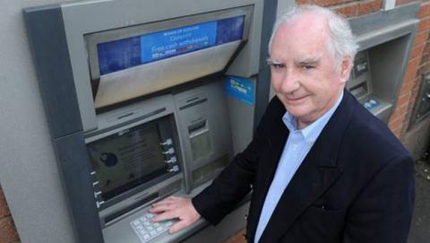El cajero automático cumple 50 años, su inventor sólo ganó 12 euros