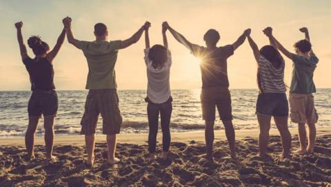 Sólo tienes cinco amigos de verdad, según un estudio