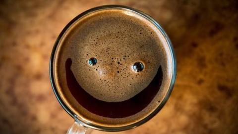 beber vino cafe o te