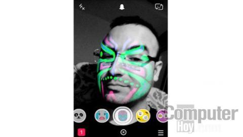 Una de las funciones más divertidas de Snapchat son las lentes de su cámara, que te permitirán aplicar efectos especiales a tus fotos y vídeos.