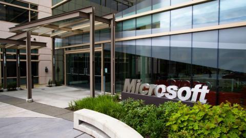 Microsoft reestructura su división de telefonía móvil