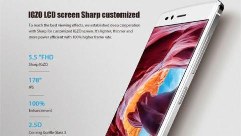 Su pantalla está formada por un panel Sharp IGZO IPS de 5,5 pulgadas con resolución Full HD