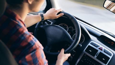 seguridad hablar manos libres coche