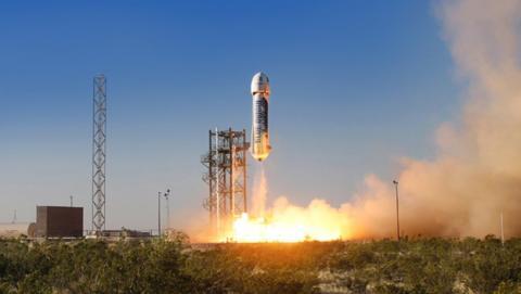 Blue Origin se acerca al primer vuelo comercial al espacio
