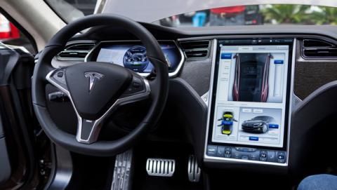 Accidente mortal con el piloto automático de Tesla activado