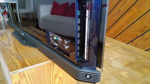 panel lateral del LG OLED65E6V