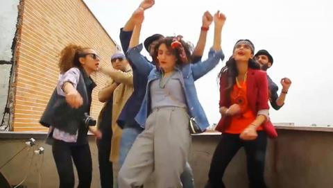 "Jóvenes iraníes bailando en un vídeo la canción ""Happy"" de Pharrell Williams"