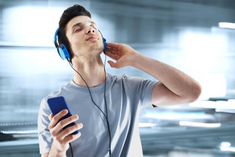 Cómo aumentar el volumen de tu móvil Android | Imagen: Shutterstock