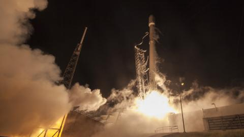 SpaceX logra otro aterrizaje imposible del Falcon 9