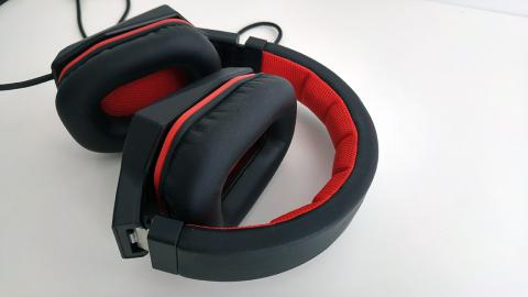 Lenovo Y gaming surround sound headset plegados