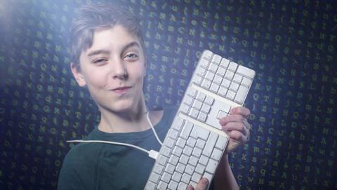 Hacker de 15 años no irá a la cárcel tras atacar bancos y gobiernos