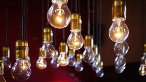 La Unión Europea pone límites a las bombillas halógenas