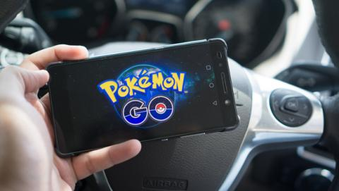 Un conductor distraído por Pokémon GO mata a una mujer
