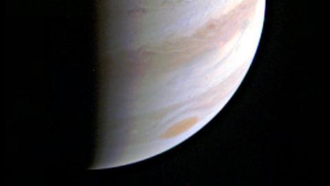 Juno envía la imagen más cercana a Júpiter