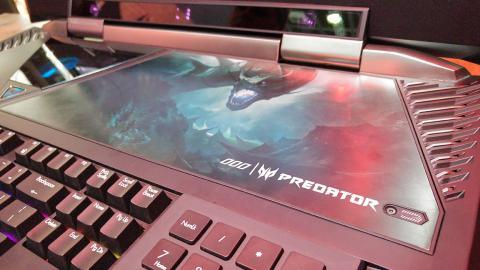 Panel superior para mantenimiento del Acer Predator 21 X