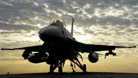 El piloto automático de un F-16 salva la vida de su piloto