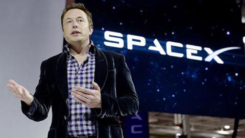 Elon Musk intentará crear una civilización en Marte en 2024