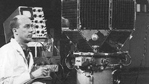 El satélites LES1