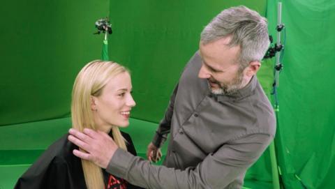L'Oreal lanza programa educativo de realidad virtual