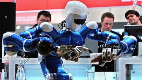 Elon Musk cree que los robots nos dejarán sin trabajo