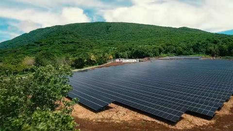 Tesla ilumina una isla completa con energía solar