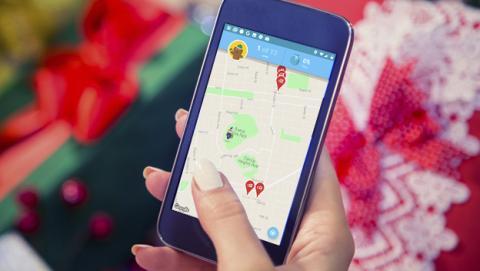 La aplicación de Papá Noel con un juego tipo Pokémon GO