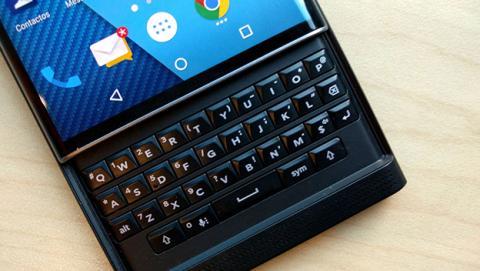 Así es la nueva Blackberry Mercury con teclado físico
