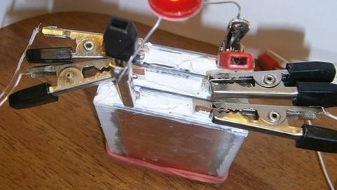 Inventan batería que puede alimentar teléfonos durante 12 años