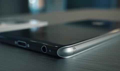 iPhone 8 contaría con pantalla curva inspirada en el Galaxy Edge
