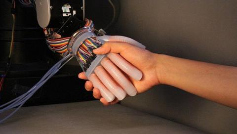 Nuevas prótesis tendrían tacto más humano