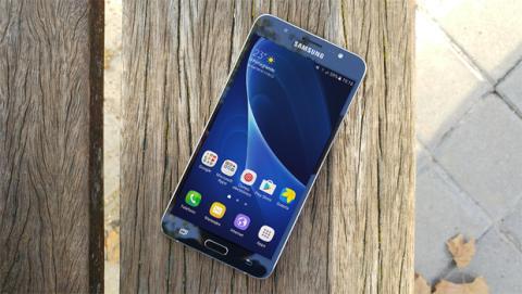 Galaxy J7 Comparativa