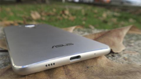 Puerto USB C del ZenFone 3 Deluxe