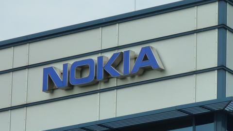 Nokia demanda a Apple por las patentes