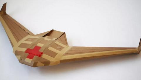 Crean drones desechables de cartón para entregar medicinas