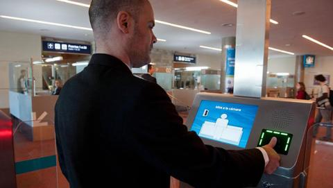 Australia reemplazará los pasaportes por tecnología biométrica