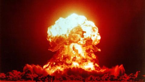 Donald Trump y sus comentarios sobre las bombas nucleares sitúan el reloj del apocalipsis cerca de la destrucción de la humanidad.