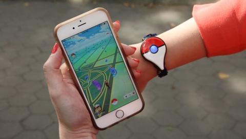 Pokémon GO contará con otro wearable para partidas más seguras