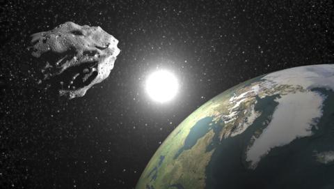 Un asteroide del tamaño de un camión pasa cerca de la Tierra