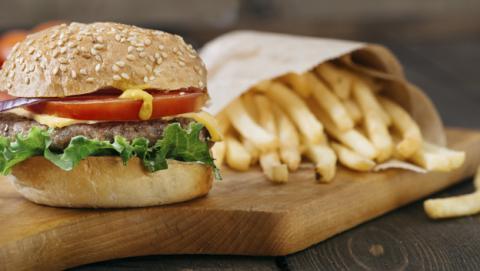 El plástico de la comida rápida también es perjudicial para la salud