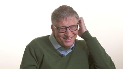 Los robots deben pagar impuestos, según Bill Gates
