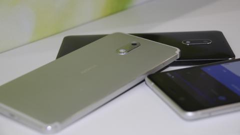 El Nokia 6 se siente como un móvil de alta gama en la mano