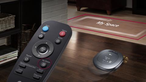 El mando a distancia que permite controlar el robot
