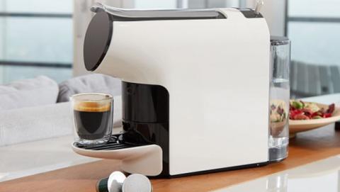 Cafetera de cápsulas económica y compatible con Nespresso