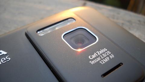 Futuros móviles de Nokia podrían volver a llevar ópticas Zeiss