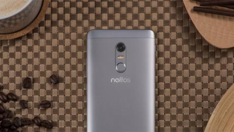 Detalle de la carcasa metálica del Neffos X1