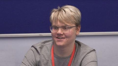 Estudiante de 17 años corrige un error de la NASA